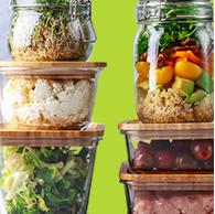 Após lavar, deixe legumes, frutas e verduras na geladeira em vasilhas fechadas e sem água, consumindo-os durante os próximos três dias.