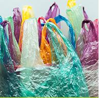 Não reutilize sacolas plásticas.